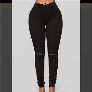 Fashion Nova Sz.9 Black Canopy Jeans